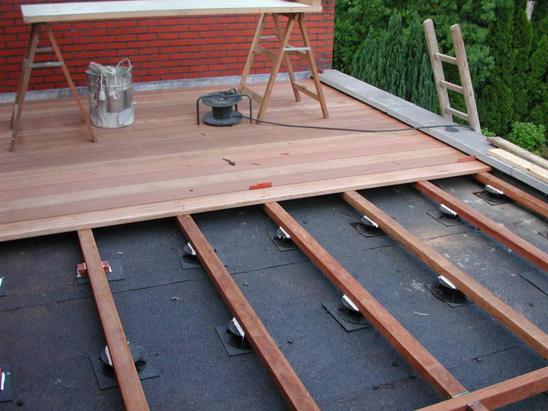 Terras in hout ideaal bij warmte en koude f r simons brecht - Terras hout picture ...